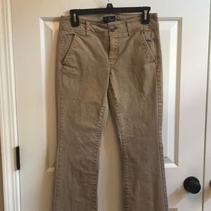 American Eagle chino style pant.